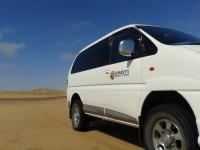 charlys-desert-tours-car1